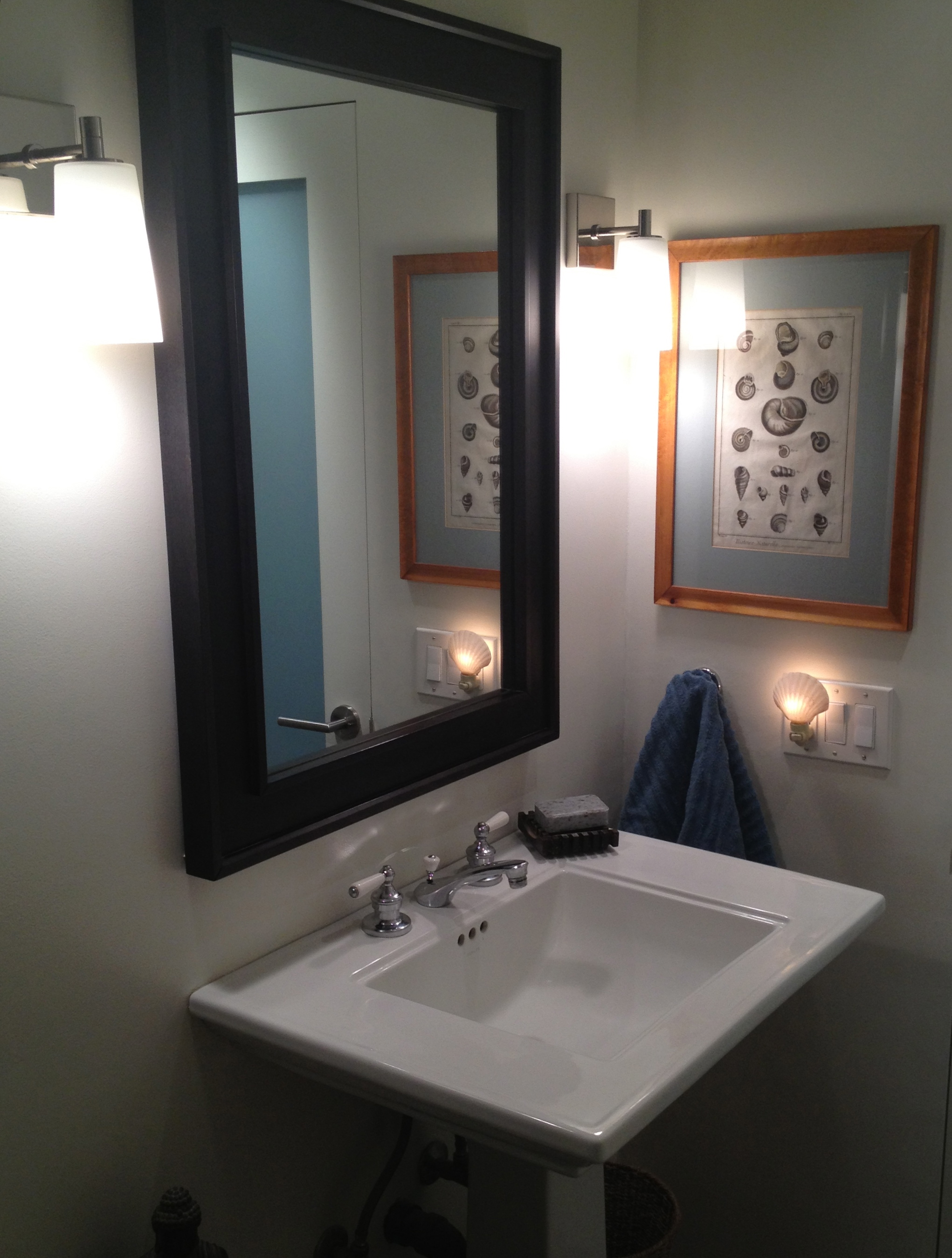 Guest Bathroom Beauty Trace Style Create Live . Two Way Mirror ...