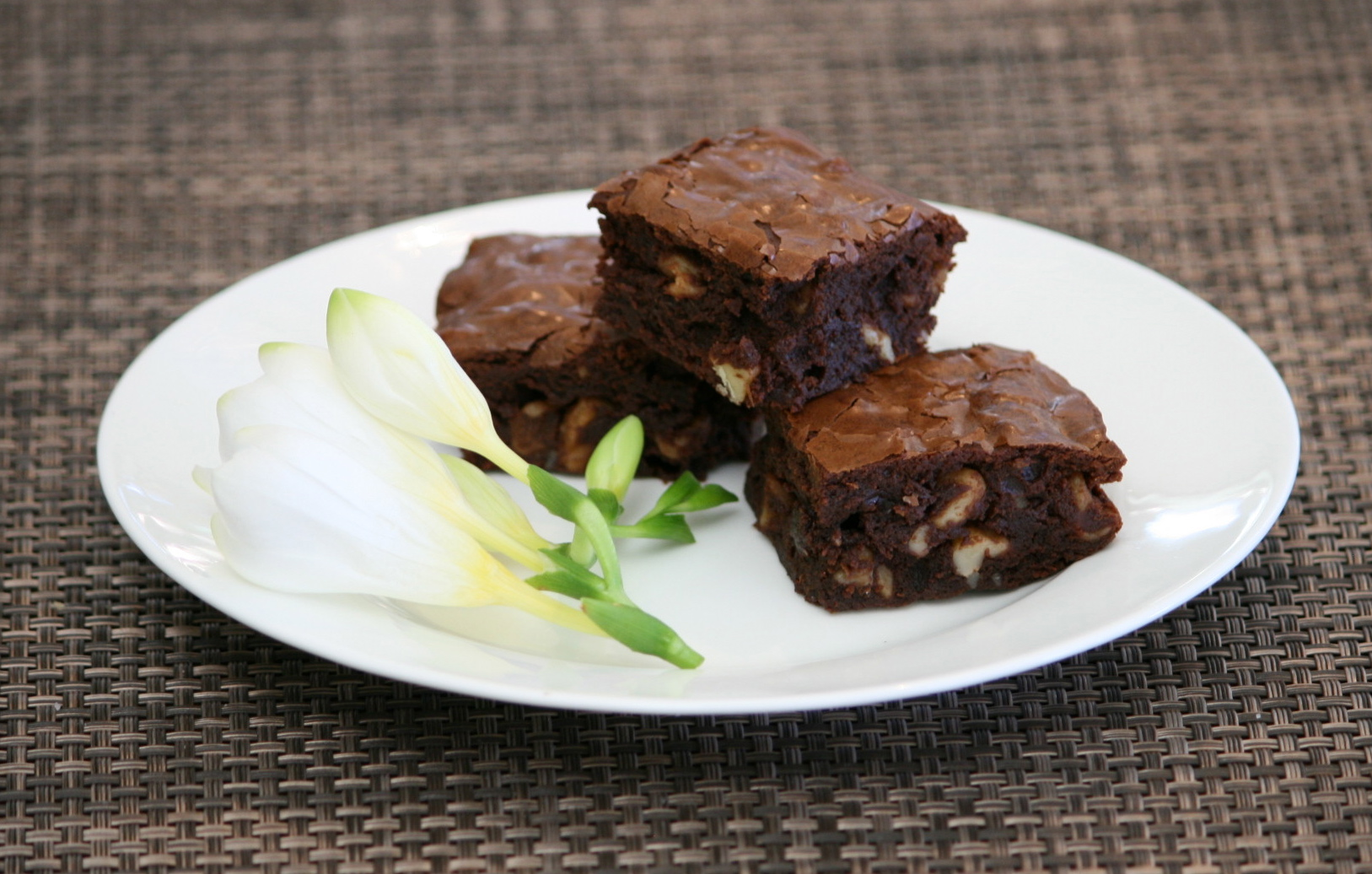 cocoa brownies with browned butter and walnuts - Trace ...