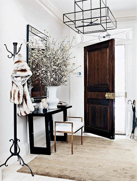 White House Foyer : Add drama to your entrance table links trace style