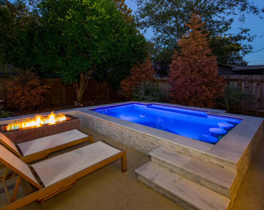8 Modern Outdoor Fire Pits